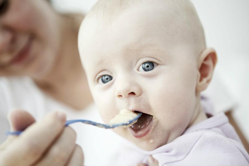 Výživa kojenců v 6. a 8. měsíci jasně a přehledně